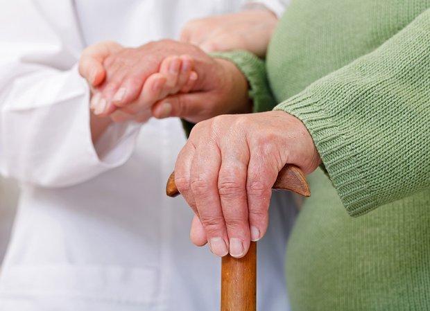 Parkinson-starechi-ruky-Parkinson