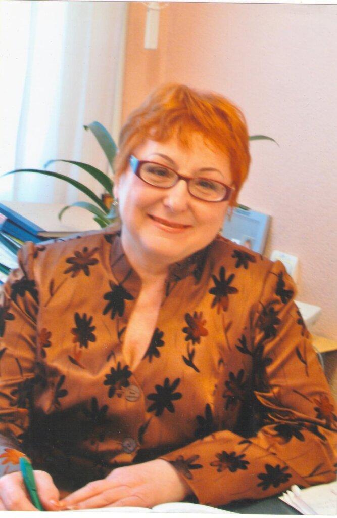 Petrenko-Valentyna-2-667x1024